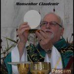 Monsenhor Claudemir é homenageado pelo prefeito de Osasco