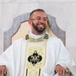 Neo-Sacerdote Leonardo Sousa celebra sua primeira missa na Catedral de Santo Antônio