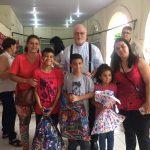 Projeto Social da Catedral realiza a entrega de cestas e presentes de natal