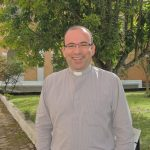 Chanceler do bispo agradece Monsenhor Claudemir pelo Encontro Diocesano do ECC