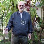 Monsenhor grava vídeo para Rede Vida