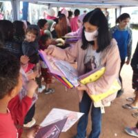 Centro Social participa de entrega de brinquedos no Jd. Padroeira